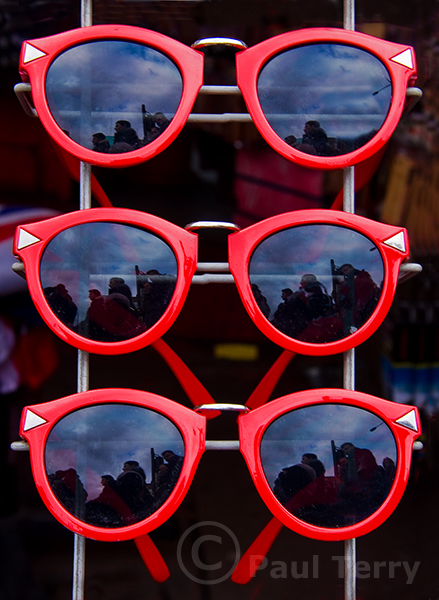 London_Camdon Town Red Sun Specs