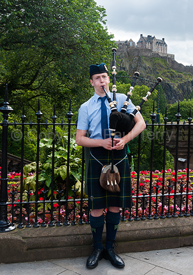 Piper and Edinburgh Castle